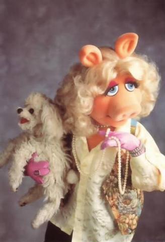 328px-Miss_Piggy_Foo_Foo_pearls