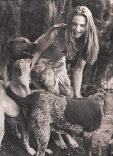 alicia silverstone and dog
