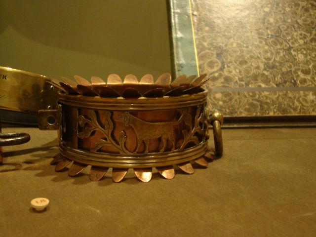 old collar on display